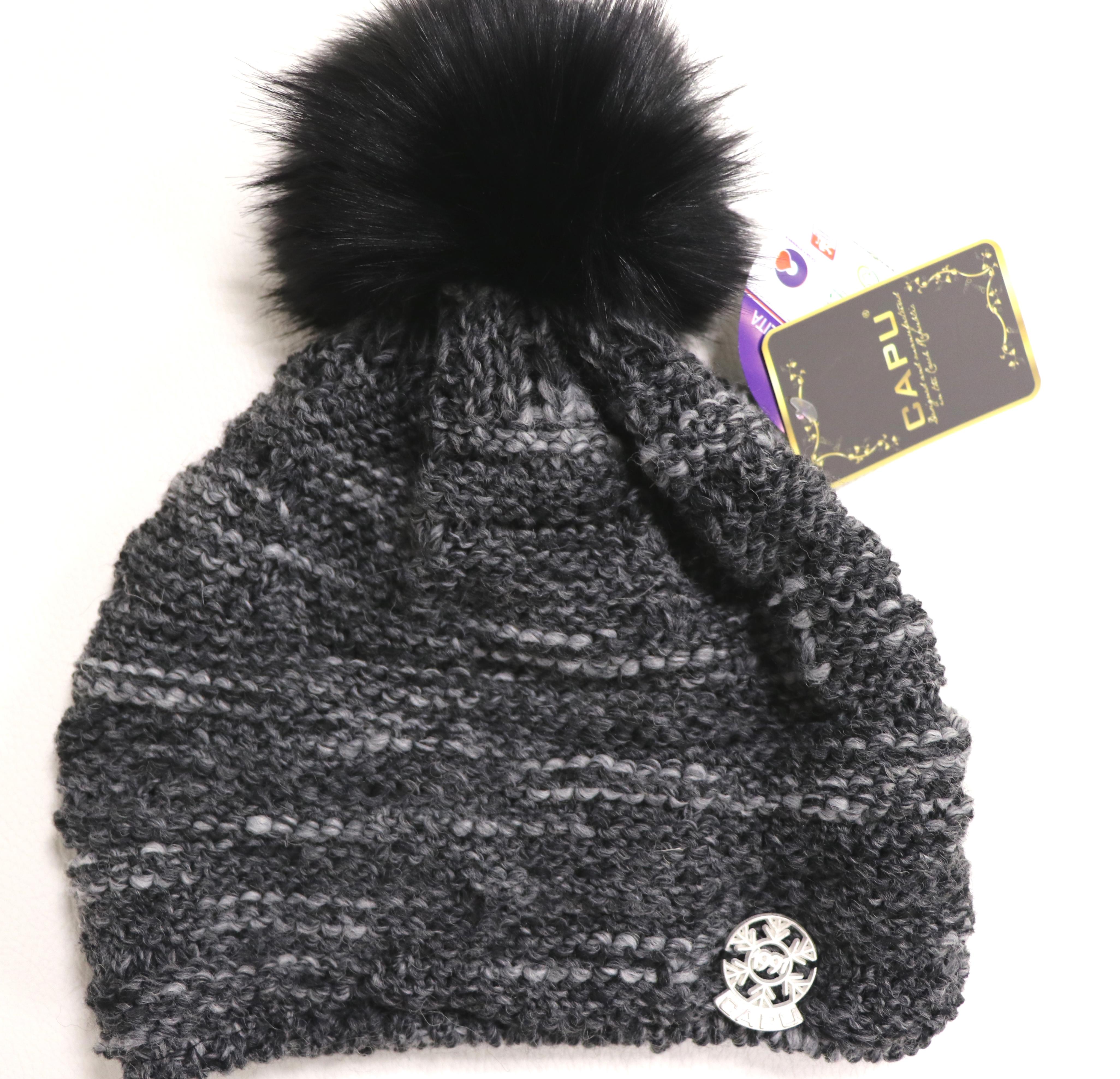 699d84606 Dámska móda | Zimná čiapka s brmbolcom CAPU 376 sivá | Mayoral ...
